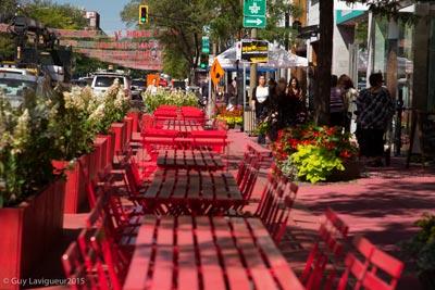 la-grande-terrasse-rouge-benches